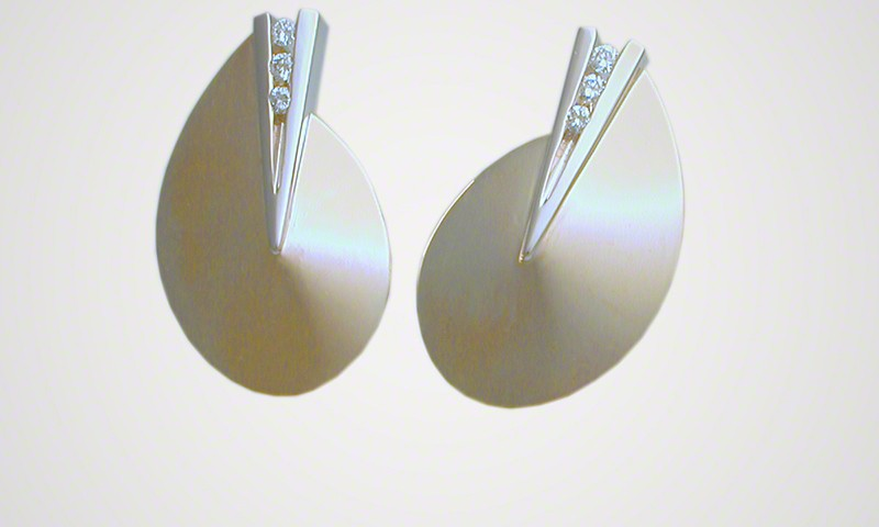 Sliced Disk Dart Earrings