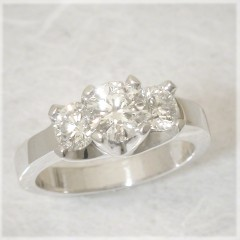 Auriginal Design Three Stone Ring