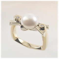 Scaffold Pearl Ring