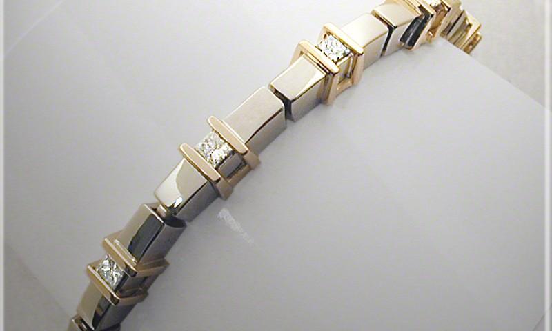 Staples Link Bracelet